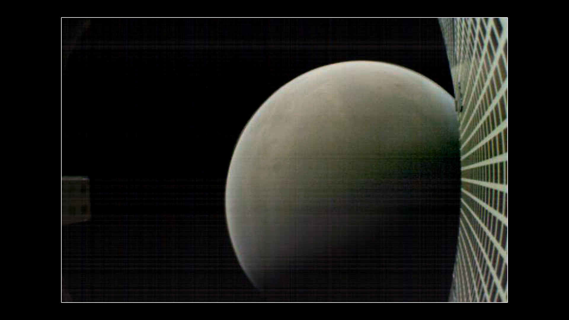 MarCO-B took this photo of Mars from about 7,600 kilometers away during its flyby on 26 Nov 2018