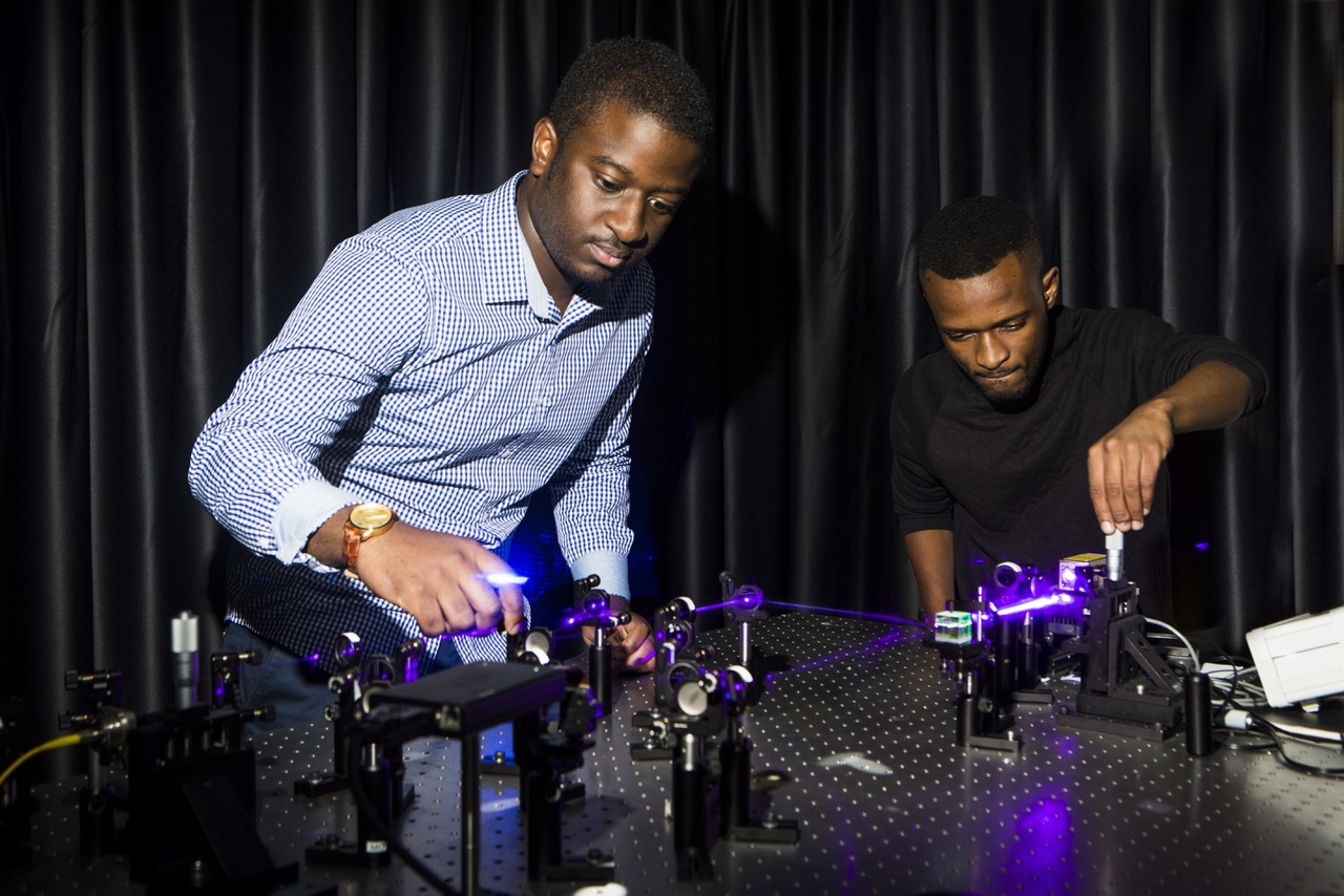 PhD students Bienvenu Ndagano and Isaac Nape in the Structured Light Lab.